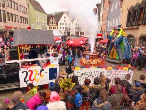 Altstadtwirt Gerhard Kratzer ist der Meinung, dass in Berlin nur mehr ein Zaubermeister helfen kann.
